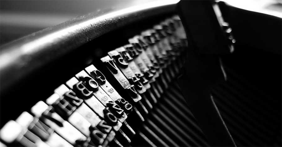 Bild zeigt eine Schreibmaschine