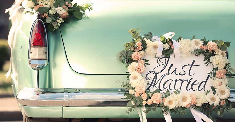 Bild zeigt Auto einer Vintage Hochzeit