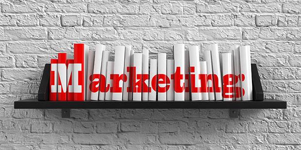 Bücher mit Aufschrift Werbung / Marketing